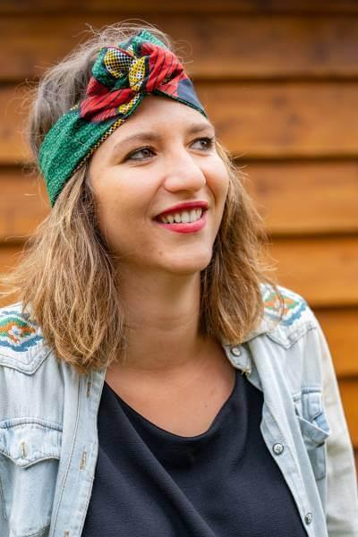 headband éthique Mama Happy fabriqué avec du tissu en wax de Tanzanie